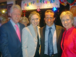 Simon entertains the Clintons in Las Vegas