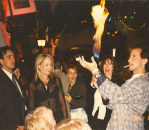 celebrities helen hunt and hank azria watch simon perform magic in California at movie premiere (2)